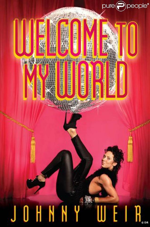Johnny Weir, qui faisait en 2011 son coming out dans son autbiographie  Welcome to my world , a épousé son compagnon Victor Voronov le 31 décembre 2011.