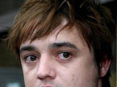 Miaou... Pete Doherty incinère son chat !