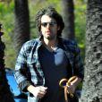 """""""Ben Affleck se balade avec son chien, le 2 janvier 2012 à Los Angeles"""""""