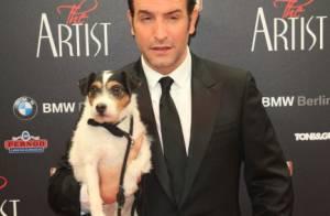 Jean Dujardin : Sans Bérénice Bejo, il se console avec son chien Uggie