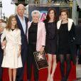 Les filles de Bruce Willis, avec leur père et leur grand-mère à Hollywood en octobre 2006