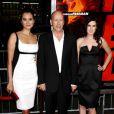 Bruce Willis avec sa fille Rumer Willis et sa femme Emma Heming à Los Angeles en octobre 2010