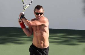 Gavin Rossdale, en plein tennis, souffre... Son sex-appeal en prend un coup !