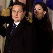 Yasmine Besson rayonne dans l'ombre de son époux, le ministre Eric Besson