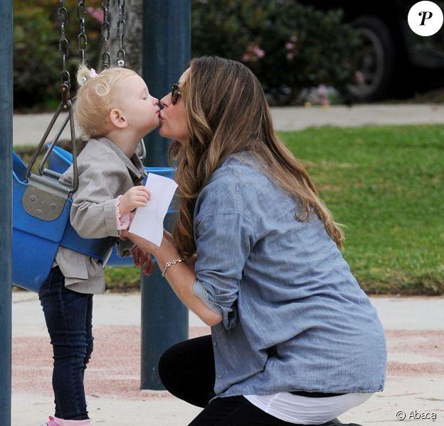 Rebecca Gayheart passe du bon temps avec sa fille Billie, le 27 janvier 2012 à Los Angeles