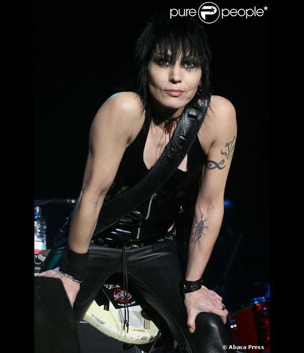 Joan jett met du rock dans 39 new york section criminelle 39 for Dans joam