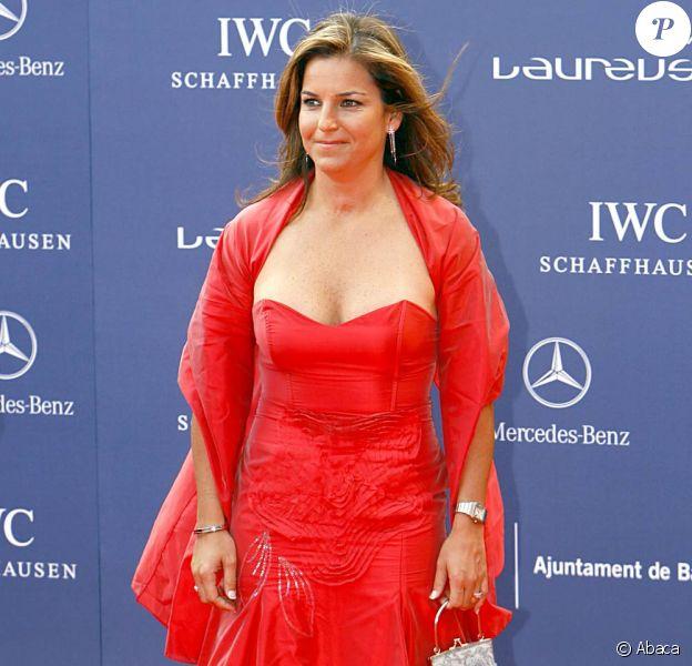 Arantxa Sanchez (photo : lors des Laureus World Sports Awards 2006) affirme dans son autobiographie, publiée le 7 février 2012, que ses parents ont dilapidé ses gains amassés en carrière sur le circuit WTA, soit 45 millions d'euros, et qu'elle est aujourd'hui ruinée.