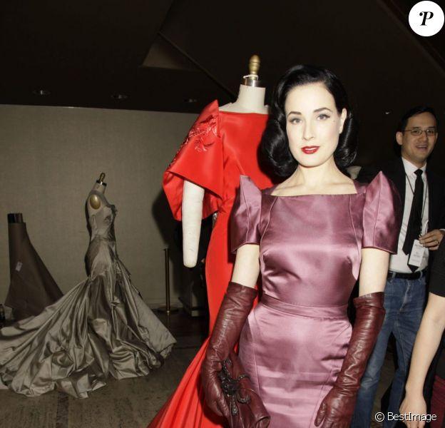 Défilé Zac Posen avec Dita Von Teese dans le cadre de la Fashion Week new-yorkaise
