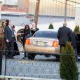 Arrivée de la famille et des amis proches de Whitney Houston le 17 février 2012 au Funerarium de Newark