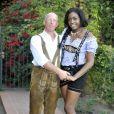 En février 2012, le prince Carl Alexander de Hohenzollern, alias le prince Gaga, 41 ans, a épousé Corinna, 21 ans, avec la bénédiction de son père adoptif le prince Frédéric von Anhalt, mari de Zsa Zsa Gabor. Les jeunes mariés et leur témoin ont pris la pose le 23 février 2012 dans la propriété de Frédéric et Zsa Zsa à Bel Air, Los Angeles.