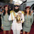 """Sacha Baron Cohen alias """"The Dictator"""" est venu comme prévu à la cérémonie des Oscars, le 26 février 2012 à Los Angeles."""
