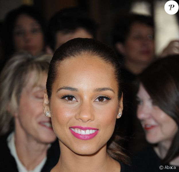 La ravissante Alicia Keys assistait au défilé Stella McCartney à Paris, le 5 mars 2012.