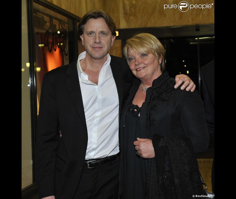 Populaire Claude François Junir et sa mère Isabelle Forêt présentent Cloclo  BN23