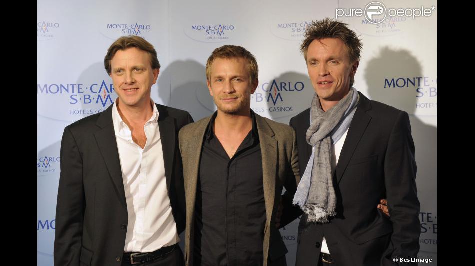 Bien-aimé Claude François Junior, Jérémie Renier et Marc François présentent  DF83