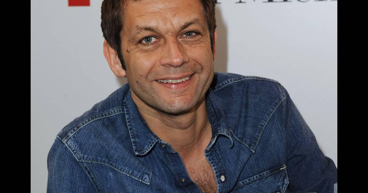 Laurent mariotte au salon du livre paris le 18 mars 2012 purepeople - Laurent mariotte cuisine tv ...