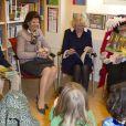 Dans la matinée du 23 mars 2012, la duchesse Camilla visitait avec la reine Silvia de Suède l'école primaire internationale britannique de Stockholm.