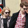 Emma Stone et Andrew Garfield se promenant à New York le 28 mars 2012 : lunettes noires et look à la cool