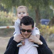 Orlando Bloom : Son adorable fils sur les épaules, il est fier et protecteur