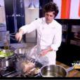 Premières images de la demi-finale de Top Chef 3, lundi 2 mars 2012 sur M6. Jean en pleine cuisine