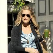 Molly Sims, rayonnante à sept mois de grossesse, consulte son amie styliste