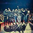 """""""Axl Rose, en tournée avec le nouveau line up des Guns N' Roses, a publié le 11 avril 2012 sur son Facebook, à trois jours de l'intronisation des Guns originels au Rock and Roll Hall of Fame à Cleveland, une longue lettre ouverte dans laquelle il déclare catégoriquement renoncer à cet honneur et taille à mots à peine couverts les anciens du groupe..."""""""
