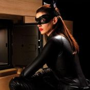 The Dark Knight Rises : Anne Hathaway serait-elle trop sexy en Catwoman ?