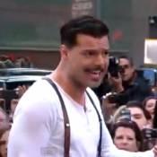 Ricky Martin : Sexy et moustachu pour Evita