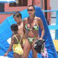 Vanessa Williams en 2005 avec ses enfants à Miami.   En 2012, Vanessa Williams fait de sombres révélations sur son passé dans son autobiographie  You Have No Idea .