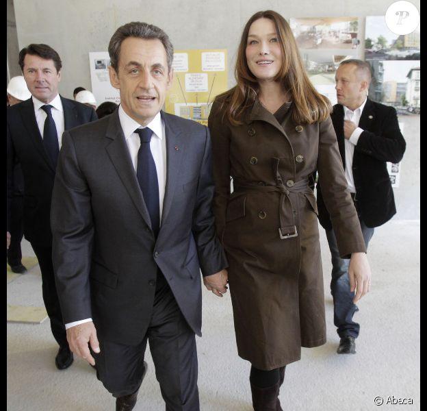 Nicolas Sarkozy et Carla Bruni, détendus à Nice le 20 avril 2012