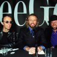 Les Bee Gees en 1998. Robin Gibb, atteint d'un cancer, est sorti le 20 avril 2012 du coma dans lequel il était tombé près d'une semaine plus tôt des suites d'une pneumonie.