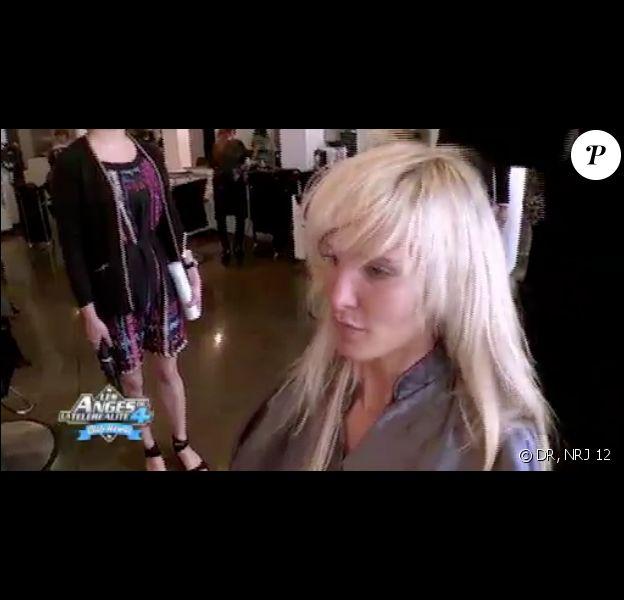 Marie pleure chez le coiffeur dans les Anges de la télé-réalité 4, vendredi 27 avril 2012, sur NRJ 12