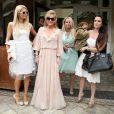 Paris Hilton assiste au lancement de la marque de sa mère Kathy à Los Angeles le 2 mai 2012